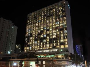 Mantra on View Hotel Gold Coast - Exterior