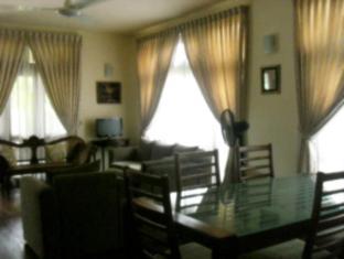 Ivy Cottage Negombo - Dining Area