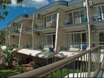 Bombora Resort: exterior