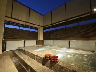 Kyoto Uji Hanayashiki Ukifune-en Kyoto - Open Air Hot Tub on 3rd Floor