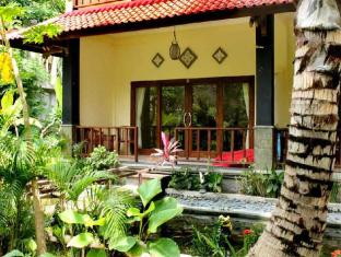 Bali Bhuana Beach Cottages Балі - Сад