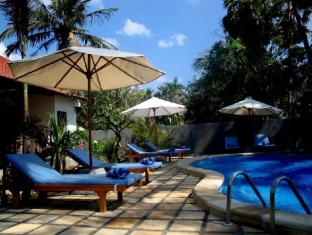 Bali Bhuana Beach Cottages Bali - Swimmingpool
