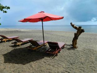 Bali Bhuana Beach Cottages Бали
