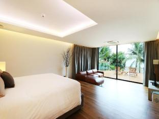 Cape Dara Resort Pattaya - Top Star compound - Master bedroom locate on mezzanine