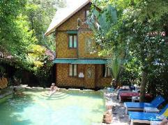 Tropical Garden Bungalow | Cheap Hotel in Koh Phi Phi Thailand