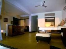 Marbela Home: guest room