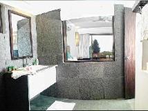 Marbela Home: bathroom