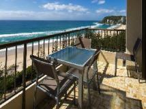 Southern Cross Apartments: balcony/terrace