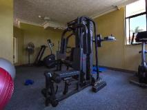 Southern Cross Apartments: fitness room