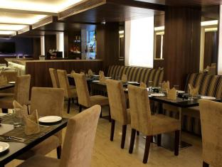 The Roa Hotel Mumbai - Restaurant