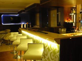 The Roa Hotel Mumbai - Bar