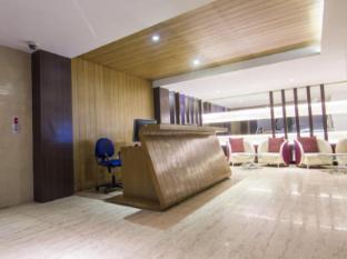 The Roa Hotel Mumbai - Lobby