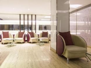 The Roa Hotel Mumbai - Sitting Area