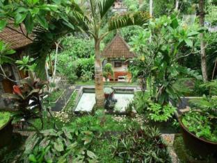 Yuliati House Bali - Vườn