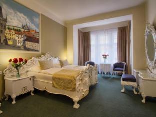 /hotel-taurus/hotel/prague-cz.html?asq=jGXBHFvRg5Z51Emf%2fbXG4w%3d%3d