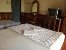 Phouna Guest House: guest room