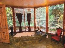 Linden Gardens Rainforest Retreat: bathroom