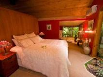 Linden Gardens Rainforest Retreat: guest room