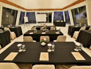 Stevie G Hotel Bandung - Meeting Room