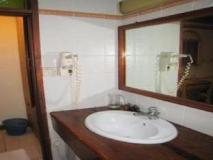 Male City and Airport Hotels   bathroom