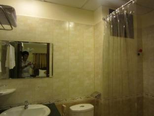 Nui Thanh Hotel Ho Chi Minh City - Bathroom