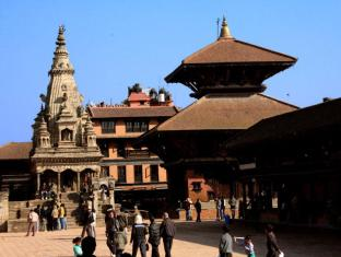 Shiva Guest House Bhaktapur - View of Square