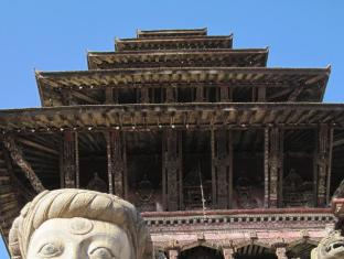 Shiva Guest House Bhaktapur - tallest temple