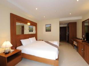 The Whitehouse Condotel Pattaya - Superior Double Bed