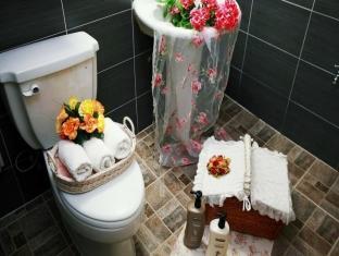 Uncle Tom's Cabin Pension Gyeongju-si - Bathroom