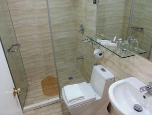 BSA Twin Tower Ortigas Manila - Bathroom