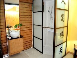 Pasadena Lodge Hotel Pattaya - Bathroom