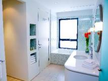 CHI Residences 138: bathroom