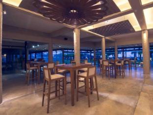 Ranweli Holiday Village Waikkal - Pub/Lounge