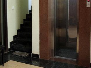 7110 Residency New Delhi and NCR - Elevator and Staircase View