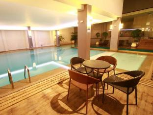 Dohera Hotel Cebu - Pool