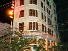 Camry Hotel Danang | Cheap Hotels in Vietnam