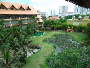 Villa Thongbura Pattaya - Surroundings