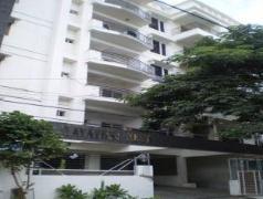 Hummingbird Gayathri Nest Apartment