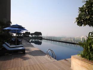 Radisson Blu Hotel New Delhi Paschim Vihar New Delhi and NCR - Swimming Pool
