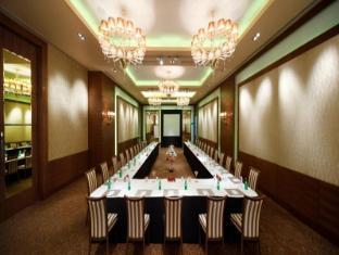 Radisson Blu Hotel New Delhi Paschim Vihar New Delhi and NCR - Meeting Room