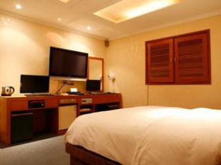 Manhattan Hotel Seoul - Suite Double Bed