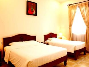 Tan Son Nhat Hotel Ho Chi Minh City - Guest Room