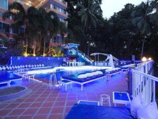 Blue Beach Club & Resort Phuket - Swimming Pool