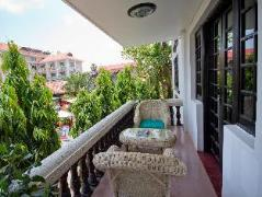 The Moon Villa & Cafe | Cambodia Budget Hotels