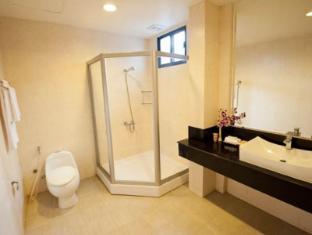 Riverside Suites Phnom Penh Phnom Penh - Bathroom