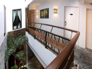 Hotel Richbaliz Kuala Lumpur - Corridor View