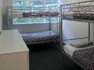 1 người trong Phòng tập thể 4 giường