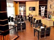 Arcadia Hotel Suites: restaurant