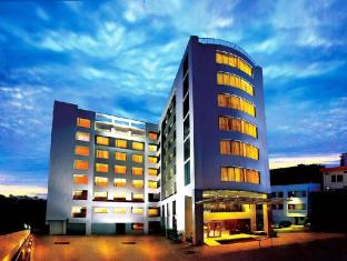 /beaumonde-the-fern/hotel/kochi-in.html?asq=jGXBHFvRg5Z51Emf%2fbXG4w%3d%3d