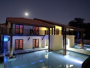 /the-rhino-resort-hotel-spa/hotel/saly-sn.html?asq=5VS4rPxIcpCoBEKGzfKvtBRhyPmehrph%2bgkt1T159fjNrXDlbKdjXCz25qsfVmYT